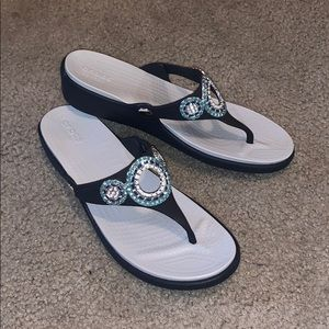 dual crocs comfort sandals